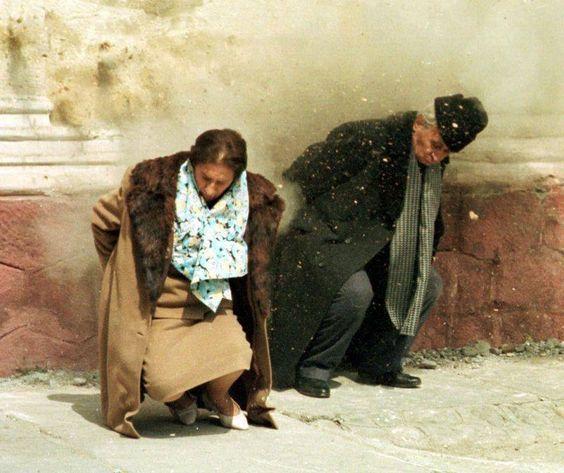 Execuția lui Nicolae si Elena Ceauşescu (Târgovişte, 25 decembrie 1989 - Ultimele persoane condamnate la moarte și executate în România) - foto: pinterest.com
