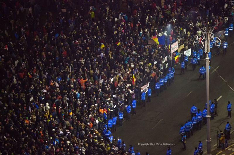 """Protest """"NU Legii Gratierii Si Amnistiei"""",  (București - 22 ianuarie 2017) - foto preluat de pe: marturiilehierofantului.blogspot.ro"""