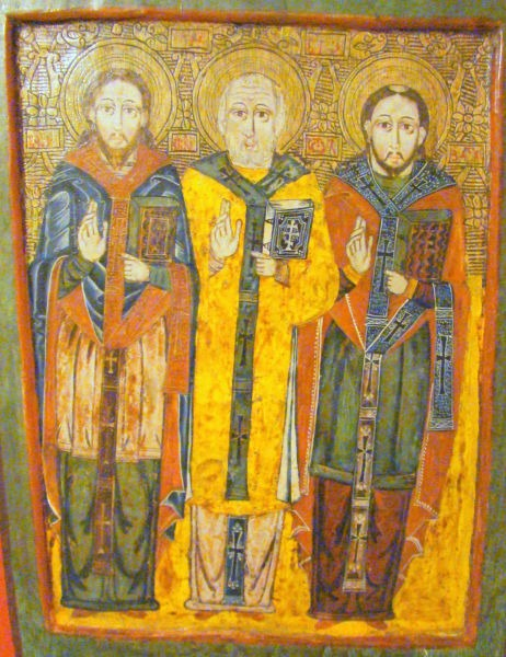 Sfinții Trei Ierarhi: Vasile cel Mare, Grigore Teologul și Ioan Gură de Aur (pictor maramureșan, sec.XVII) - foto preluat de pe ro.wikipedia.org