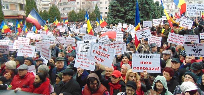 Miting PSD la Târgovişte, de susţinere a Guvernului Grindeanu (25 februarie 2017) - foto: incomod-media.ro