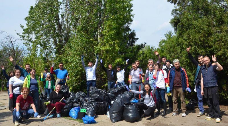 (USR Sector 3) Actiune ecologizare II - zona IOR - foto: facebook.com