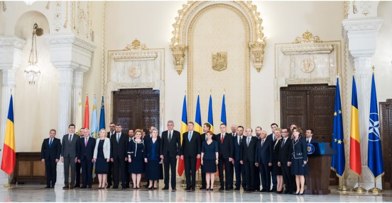 Ceremonia depunerii jurământului de către membrii Cabinetului Tudose (29 iuni 2017) - foto preluat de pe guv.ro