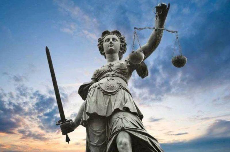 Justiţia - foto preluat de pe facebook.com