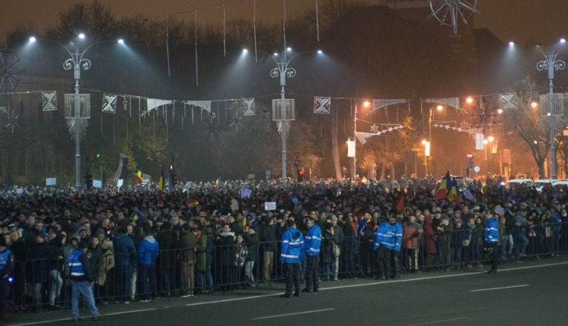 """Protest """"STOP Legile Justiției! Nu scăpați!"""" (Bucuresti - 26 Noiembrie 2017) - foto preluat de pe Epoch Times Romania"""