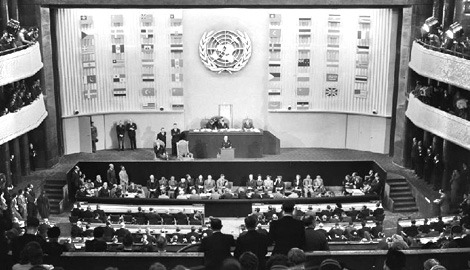 United Nations representatives from all regions of the world formally adopted the Universal Declaration of Human Rights on December 10, 1948 - foto preluat de pe humanrights.com