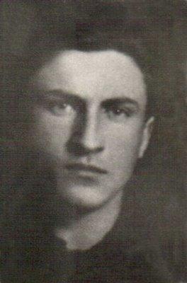 Ion Gavrilă Ogoranu (n. 1 ianuarie 1923, Gura Văii, comuna Recea, județul Făgăraș; d. 1 mai 2006, comuna Sântimbru, sat Galtiu, județul Alba) a fost un celebru luptător în munți, împotriva comunismului - foto preluat de pe ro.wikipedia.org