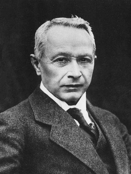 Hugo Junkers (3 February 1859 – 3 February 1935) was a German aircraft engineer and aircraft designer - foto preluat de pe en.wikipedia.org