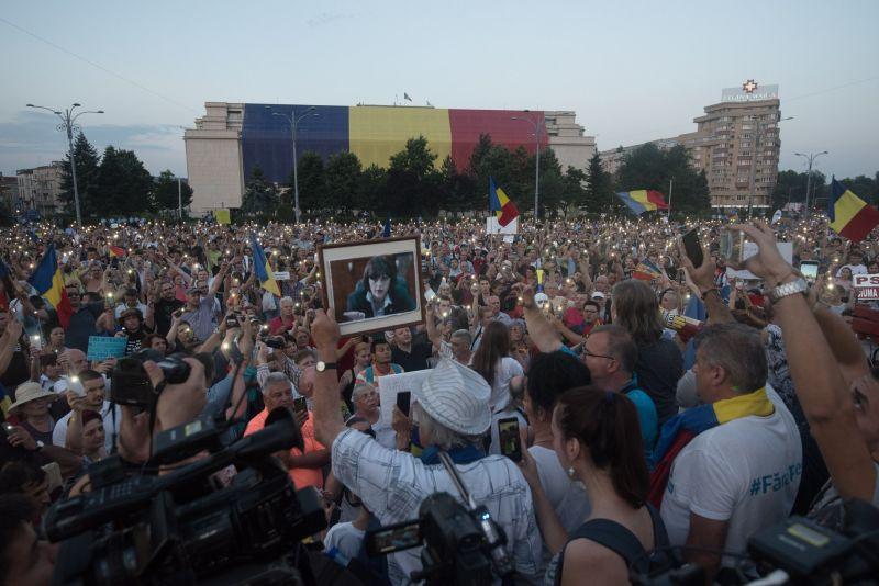 Protest  (Bucuresti, Piata Victoriei, 20 iunie 2018) - foto: Mihut Savu / Epoch Times