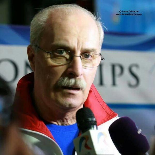 Octavian Ioan Atanase Bellu (n. 17 februarie 1951, Ploiești) este un antrenor român de gimnastică, care coordonează activitatea lotului olimpic de gimnastică feminină, pe care l-a mai antrenat în perioada 1981 - 2005 - foto preluat de pe www.facebook.com