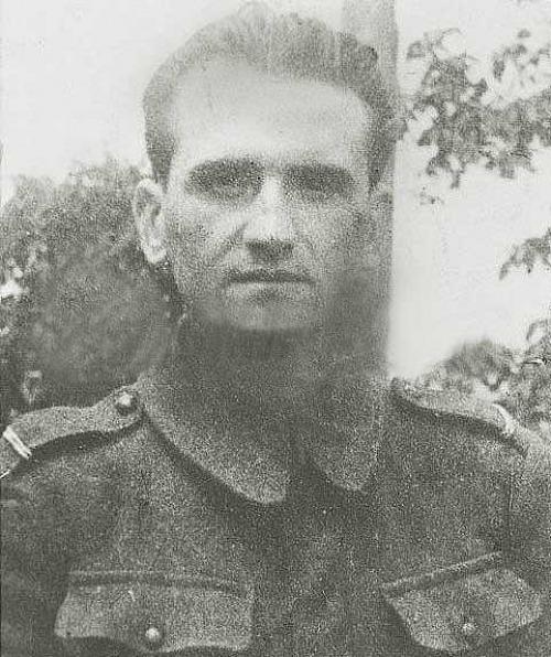 """Toma Arnăuțoiu, locotenent, (n. 14 februarie 1921, Nucșoara, județul Muscel, în prezent județul Argeș - d. 19 iulie 1959, Jilava) a fost liderul grupului de rezistență anti-comunistă armată de la Nucșoara, numit și """"Haiducii Muscelului"""", format în 1949 împreună cu col. Gheorghe Arsenescu - foto preluat de pe www.marturisitorii.ro"""
