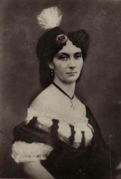 Elena Cuza (n. 17 iunie 1825, Iaşi – d. 2 aprilie 1909, Piatra-Neamţ), cunoscută şi ca Elena Doamna, a fost soţia domnitorului Alexandru Ioan Cuza - foto preluat de pe en.wikipedia.org