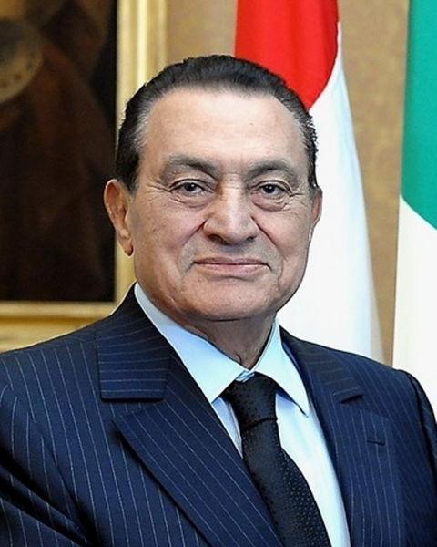 Muhammad Hosni Sayyd Mubarak (n. 4 mai 1928) a fost cel de-al IV-lea președinte al Egiptului, din 14 octombrie 1981 după ce președintele Anwar Sadat fusese asasinat la data de 6 octombrie, 1981. A demisionat in ziua de 11 februarie 2011, în urma unor îndelungi proteste.Acesta a stat 30 ani în fruntea guvernului egiptean și a fost șef al partidului PND - (Hosni Mubarak în 2009) - foto preluat de pe ro.wikipedia.org
