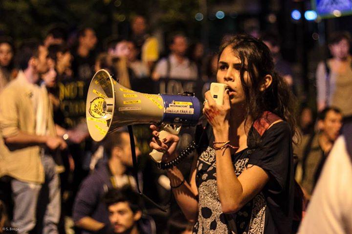 andreea-petruț-proteste-roșia-montană