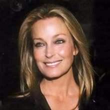 Bo Derek (născută Mary Cathleen Collins la 20 noiembrie 1956), actriță americană de film - foto: cersipamantromanesc.wordpress.com