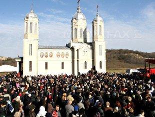 manastire-pestera-sf-andrei-cristi-cimpoes