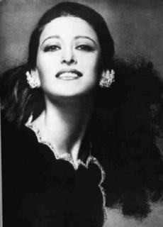 Maia Mihailovna Plisețkaia (n. 20 noiembrie 1925, Moscova – d. 2 mai 2015, München), balerină, regizoare de balet, coreografă și actriță rusă, de origine evreiască, considerată cea mai bună balerină rusă și una din cele mai bune balerine ale secolului al XX-lea - foto: cersipamantromanesc.wordpress.com
