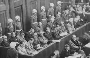 20 noiembrie 1945: Încep la Palatul de Justiţie de la Nuremberg procesele împotriva a 24 de foşti lideri germani, pentru crime de război. - foto: cersipamantromanesc.wordpress.com