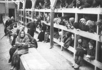 Lagărul de concentrare Auschwitz  fototurismoadaptado.wordpress.com