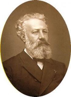 Jules Verne (nume complet Jules Gabriel Verne; n. 8 februarie 1828, Nantes, Franța – d. 24 martie 1905, Amiens, Franța) a fost un scriitor francez și un precursor al literaturii științifico-fantastice - foto: cersipamantromanesc.wordpress.com
