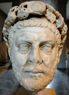 Gaius Aurelius Valerius Diocletianus (244–311), cunoscut ca Dioclețian, a fost împărat roman din 20 noiembrie 284 până la 1 mai 305. Pe plan politic și militar a fost unul dintre cei mai de seamă împărați romani, reformele sale asigurând continuitatea imperiului în părțile din răsărit pentru încă o mie de ani. Faptele sale sunt însă umbrite de prigoana pe care a declanșat-o împotriva creștinilor; prin cele 4 edicte (decrete) împotriva creștinilor pe care le-a dat în anii 303-304, s-a pornit cea mai mare persecuție din istoria imperiului împotriva acestei religii - foto: cersipamantromanesc.wordpress.com