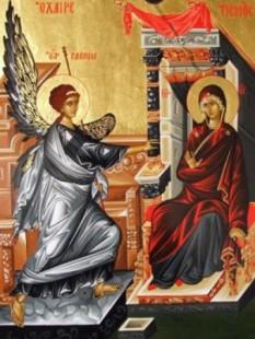 """Bunavestire (Buna Vestire sau Buna-Vestire) sau Blagoveștenia (gr. Evangelismos) către Maica Domnului este un Praznic Împărătesc al Bisericii Ortodoxe, sărbătorit la 25 martie. Aceasta este una din doar cele două zile în care este permis peștele în Postul Mare, cealaltă fiind Intrarea Domnului în Ierusalim (Floriile). În conformitate cu Evanghelia după Luca 1:26-38, Arhanghelul Gabriel îi apare Sfintei Fecioare și îi spune că va concepe și naște un fiu, chiar dacă ea """"nu a cunoscut bărbat"""". După sfânta tradiție, Maria avea doar cincisprezece ani când a fost vizitată de Gabriel. Această zi este exact la nouă luni înainte de Crăciun, fiind astfel aleasă de Părinții Bisericii ca să indice că Hristos a fost conceput într-o perioadă de timp perfectă """"din Duhul Sfânt și din Fecioara Maria"""", așa cum este precizat în Crezul Niceo-Constantinopolitan - foto: crestinortodox.ro"""