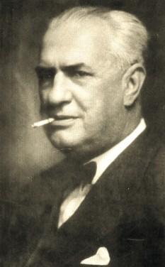 Constantin Argetoianu (n. 3/15 martie 1871, Craiova – d. 6 februarie 1955, Sighet) a fost un om politic român, care a deținut funcția de președinte al Consiliului de Miniștri al României (între 28 septembrie 1939 și 23 noiembrie 1939). Unic descendent al unei înstărite familii boierești din Oltenia, Argetoianu a dobândit o licență în drept și un doctorat în medicină la Paris, însă a urmat o carieră în diplomație, unde a activat până în 1913, când a intrat în politica română. S-a alăturat inițial Partidului Conservator, însă a trecut de-a lungul carierei sale politice prin multe partide, deținând portofoliul ministrial în diferite guverne. Argetoianu a fost ales cu puține întreruperi în Parlament, deținând președinția Senatului între 1938 și 1939 - foto: ro.wikipedia.org