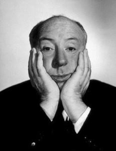 Alfred Hitchcock  - foto preluat de pe cersipamantromanesc.wordpress.com