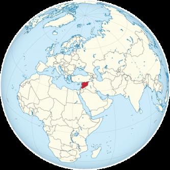 """Siria, oficial Republica Arabă Siriană, este o țară din Asia de Vest, mărginită de Liban și Marea Mediterană la vest, Turcia la nord, Irak la est, Iordania la sud și Israel în sud-vest. Capitala țării este Damasc, unul din cele mai vechi orașe din lume populate continuu. Siria este situată în regiunea supranumită """"Cornul Abundenței"""", care formează un arc adânc începând din Irak, trecând pe la confluența fluviilor Tigru și Eufrat, cuprinzând teritoriul Siriei centrale și al Israelului și continuând până în Valea Nilului în Egipt. La nord și la sud de această regiune, se întind deșerturi vaste și stepe care au fost transformate parțial în ogoare roditoare, datorită irigațiilor artificiale, practicate aici de mii de ani. Controlul guvernului sirian se întinde azi la doar 30-40% din teritoriul de jure al statului și asupra a mai puțin de 60% din populație. O țară cu câmpii fertile, munți înalți și deșerturi, Siria este casa diversor grupuri etnice și religioase, inclusiv arabi sirieni, greci, armeni, asirieni, kurzi, cerchezi, mandeani și turci. Printre grupările religioase se numără suniții, creștinii, alaviții, druzii, mandeanii, șiiții, salafiții și iazigii. Arabii suniți constituie cel mai mare grup comunitar din Siria - foto: ro.wikipedia.org"""