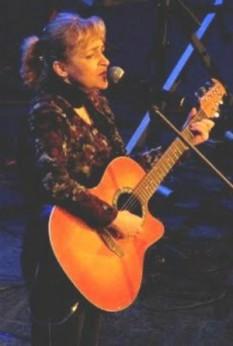 Tatiana Stepa (n. 21 aprilie 1963, Lupeni, județul Hunedoara - d. 7 august 2009, București) a fost o cântăreață română de muzică folk - foto: ro.wikipedia.org