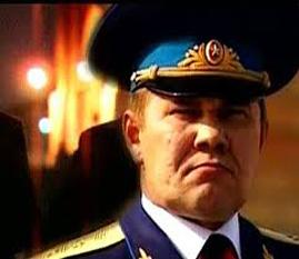 Generalul Aleksandr Lebed - foto preluat de pe cersipamantromanesc.wordpress.com