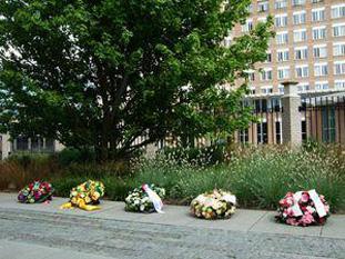 omagiu victimelor războiului chimic - Foto: (c) opcw.org