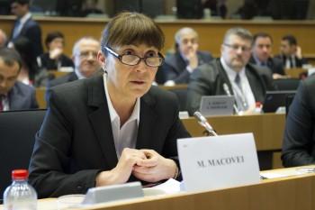 Monica Macovei (n. 4 februarie 1959, București) este o juristă și politiciană română, care a îndeplinit funcția de ministru al justiției între 2004 și 2007. Din 2009 deține funcția de europarlamentar din partea României, fiind realeasă în 2014. În august 2014 și-a anunțat candidatura pentru președinția României la alegerile din 2014. A fost asociată cu organizația pentru apărarea drepturilor omului APADOR-CH până în 2004, inițial drept consultant pro bono, iar apoi ca vice-președinte și președinte - foto: cursdeguvernare.ro