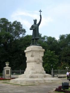 monumentul lui Ştefan cel Mare - foto preluat de pe cersipamantromanesc.wordpress.com