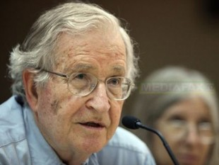 Avram Noam Chomsky (n. 7 decembrie, 1928, Philadelphia, SUA) - foto - Mediafax