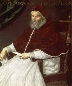Papa Grigore al XIII-lea, cunoscut și ca papa Gregor al XIII-lea, (n. 7 ianuarie 1502, Bologna — d. 10 aprilie 1585, Roma) a fost un papă al Romei din 1572 până în 1585. Numele său laic a fost Ugo Bouncompagni. În anul 1539 a intrat în serviciul Bisericii, în 1558 a fost ales episcop de Vieste, iar în 1565 a devenit cardinal. La 13 mai 1572 a fost ales papă. Unul din cele mai mari merite ale sale a fost actualizarea calendarului iulian (1582). Actualul calendar îi poartă numele, calendar gregorian - foto: ro.wikipedia.org