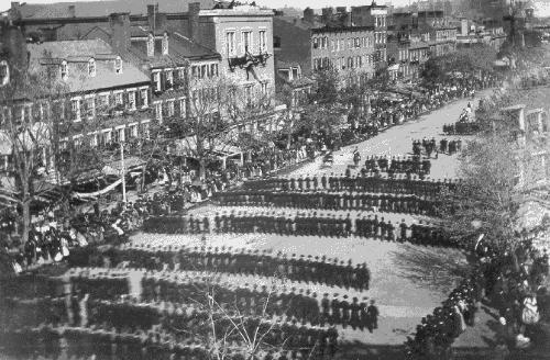 Procesiunea funerara a presedintelui Lincoln - foto: cersipamantromanesc.wordpress.com