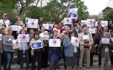 Protest anti-Ponta, Piaţa Universitaţii, 3 Mai 2015 (Eugen Horoiu/Epoch Times)