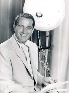 Perry Como on television show set 1956 - foto preluat de pe en.wikipedia.org