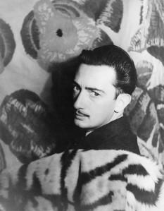 Salvador Dalí în 1939 Fotografie realizată de Carl Van Vechten - foto preluat de pe ro.wikipedia.org