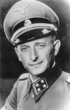 Otto Adolf Eichmann (n. 19 martie 1906, Solingen, Imperiul German – d. 31 mai 1962, închisoarea din Ramla, Israel) - foto - en.wikipedia.org