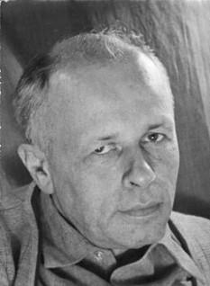 Andrei Dmitrievici Saharov,  (n. 21 mai 1921, Moscova – d. 14 decembrie 1989), a fost un fizician, membru al Academiei de științe a URSS, de 3 ori Erou al Muncii Socialiste, Laureat al premiilor Lenin și Stalin (anulate de autorități în 1980), Laureat al Premiului Nobel pentru Pace, disident și militant pentru drepturile omului  -  foto: cersipamantromanesc.com