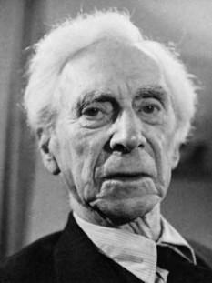 Bertrand Arthur William Russell (n. 18 mai 1872, Trellech - d. 2 februarie 1970, Penrhyndeudraeth, Țara Galilor, Regatul Unit) a fost un filosof, matematician, istoric și critic social britanic În timpul vieții s-a declarat ca fiind liberal, socialist și pacifist, dar în același timp a admis că nu a fost cu adevărat niciunul dintre aceste lucruri. Cu toate că a locuit preponderent în Anglia, Russell s-a născut în Țara Galilor, țară în care a și murit, la vârsta de 97 de ani - foto: cersipamantromanesc.com