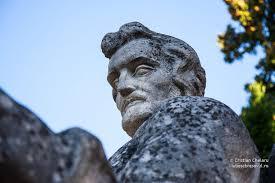 Diaconul Coresi, lucrare din piatră a sculptorului Ion Meiu - foto preluat de pe cersipamantromanesc.wordpress.com