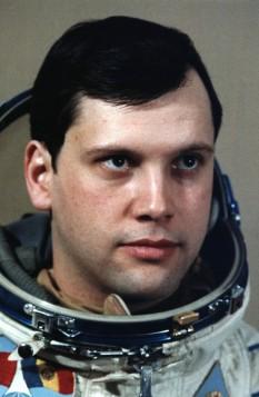 Dumitru Dorin Prunariu (n. 27 septembrie 1952, Brașov), primul cosmonaut român - foto: cersipamantromanesc.com