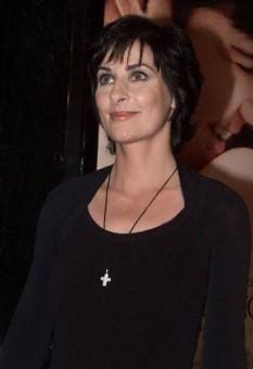 Singer, instrumentalist, and composer Enya - foto preluat de pe ro.wikipedia.org