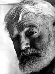 Ernest Hemingway - foto preluat de pe cersipamantromanesc.wordpress.com