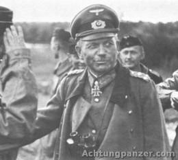 Heinz Wilhelm Guderian (n. 17 iunie 1888 – d. 14 mai 1954) general și teoretician militar al armatei germane a Germaniei Naziste în timpul celui de-al doilea război mondial, specialist în tancuri - foto - cersipamantromanesc.com