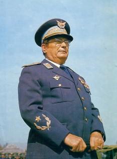 Iosip Broz Tito - foto preluat de pe cersipamantromanesc.wordpress.com