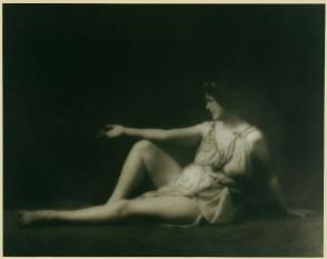 Isadora Duncan, dansatoare americana - foto - en.wikipedia.org