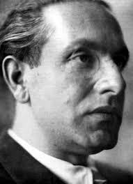 Julius Evola, publicist şi filosof politic italian - foto preluat de pe cersipamantromanesc.com